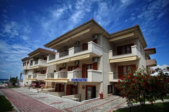 Zefyros Seaside Hotel Apartments