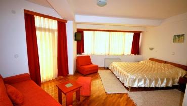 Hotel Diplomat Plus